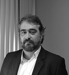 Foto do Mestre Roberto Gonçalves de Lima